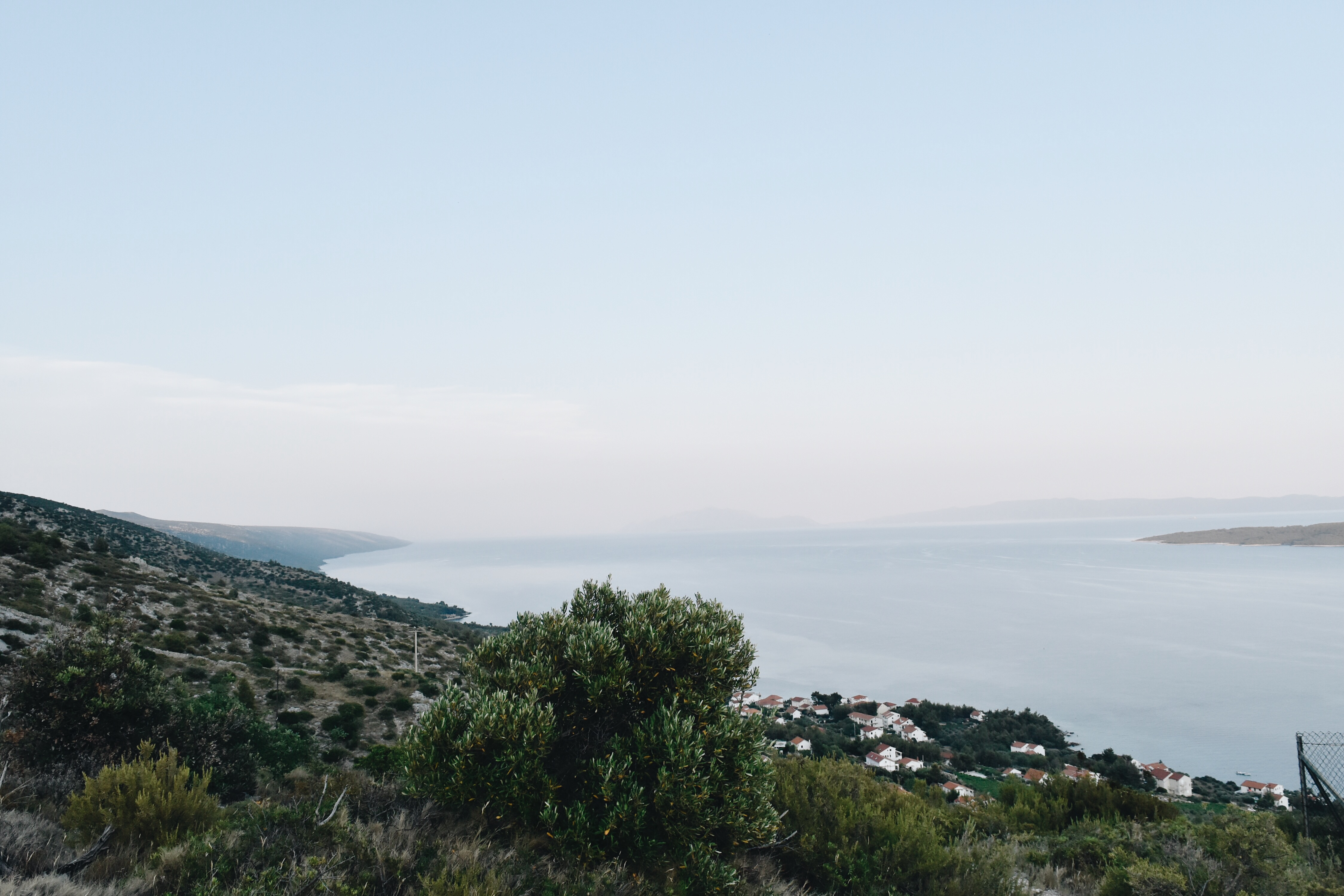 HIKING ACROSS ISLAND HVAR